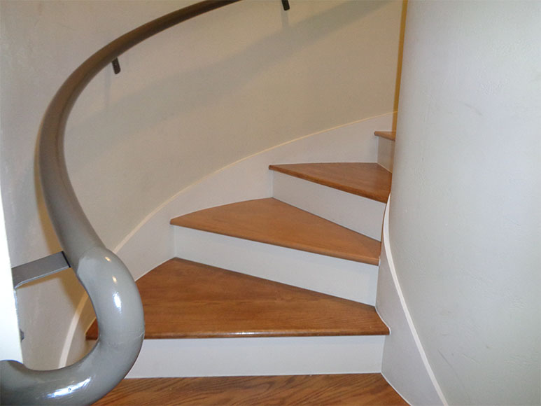 Handcrafted-Oval-Stairscase-2