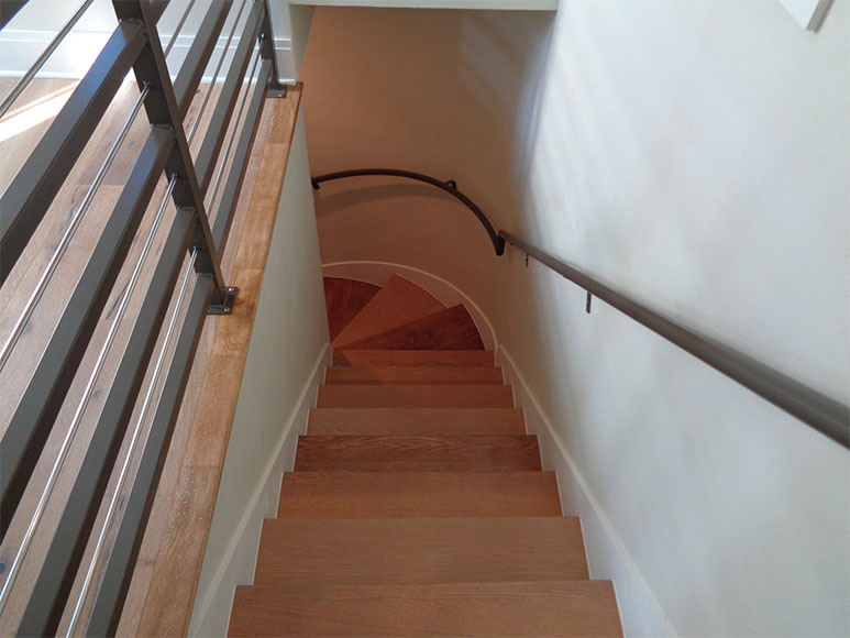 Radius Oval Staircase